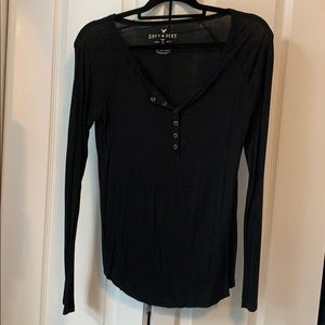 Long sleeve button up black top